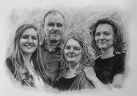 kresbanaprani-kresleny-portret-rodina-nazakazku-kresba-kresleni-art-realisticka-tuzka-uhel-A2-RadekZdrazil-20200818