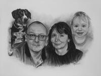 kresbanaprani-kresleny-portreti-nazakazku-kresba-kresleni-art-realisticka-tuzka-uhel-A3-kolaz-rodina-RadekZdrazil-20201206